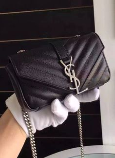 The Saint Laurent Classic Baby Monogram Chain Bag is covered with contemporary quilted leather. It is qulited similar to the Chevron quilted and the prints are spectacular with arrows pointing down. Check it at http://www.luxtime.su/saint-laurent-classic-baby-monogram-chain-bag-ysl8902-black