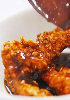 Temukan inspirasi kelezatan masakan setiap hari dari Resep Perasan Pertama Kecap ABC. Perasan Pertama, rahasia untuk hidangan yang lebih kaya rasa. Saksikan 6 Resep Perasan Pertama terbaru untuk kreasi dapur Anda di sini
