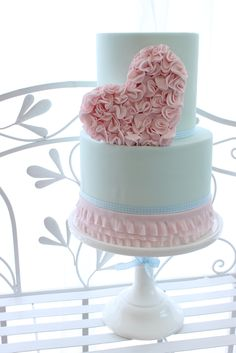Pastel Pink Ruffled Heart Cake- make star instead of heart? Gorgeous Cakes, Pretty Cakes, Cute Cakes, Amazing Cakes, Beautiful Cake Pictures, Heart Wedding Cakes, Valentines Day Cakes, Wedding Cake Inspiration, Elegant Cakes