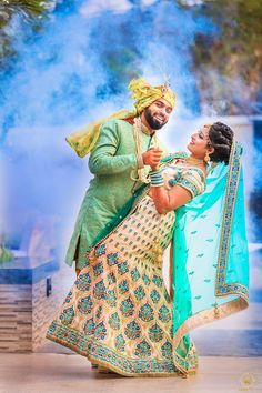 Love the enthusiasm of this couple❤ . Indian Wedding Couple Photography, Indian Wedding Bride, Indian Wedding Photos, Couple Photography Poses, Bridal Photography, Couple Photoshoot Poses, Pre Wedding Photoshoot, Wedding Poses, Wedding Couples