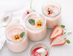 Strawberries and Cream Pots garnished with edible flowers ~ a dreamy strawberry pot de créme made quick and easy on the stove top. Strawberry Pots, Strawberry Desserts, Raspberry, Small Desserts, Great Desserts, Individual Desserts, French Desserts, Baked Strawberries, Strawberries And Cream