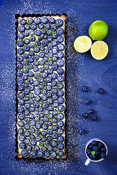 Weisse-Schokoladen-Mousse-Tarte mit Blaubeeren