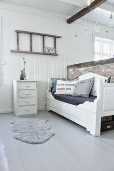 Mias Interiør - love the bed!