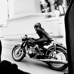 luv U Stacie !  Stacie B London riding her 1969 BMW R60 -  photographed by Scott Pommier