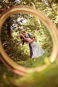Take pic thru wedding ring