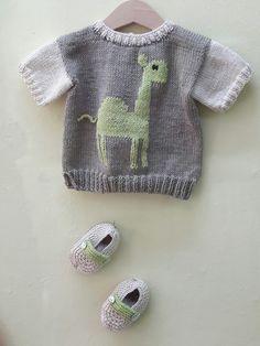Conjunto de jersey y patucos,tejidos a dos agujas por Marga.