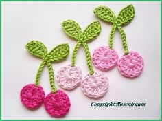 This Pin was discovered by Kad Crochet Birds, Crochet Motifs, Crochet Flower Patterns, Crochet Designs, Crochet Crafts, Hand Crochet, Crochet Flowers, Crochet Toys, Crochet Stitches
