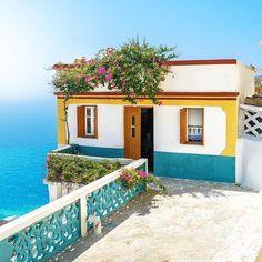 OLYMPOS Traditional Mount village , KARPATHOS island (Στην Όλυμπο στο νησί της Καρπάθου των Δωδεκαννήσων), DODECANESE islands group - GREECE ⠀⠀ by @minaslyris