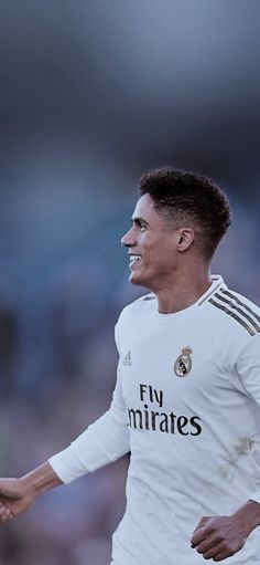 Varane Real Madrid, Real Madrid Players, Cristiano Ronaldo Lionel Messi, Neymar, Real Madrid Wallpapers, Soccer Stars, Football, Fifa, Sports