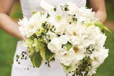 Maxi ramos de novia: fotos ideas - Ramo grande de flores blancas