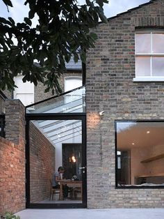 Private house in Stoke Newington by MS-DA. Private house in Stoke Newington by MS-DA. Industrial Interior Design, Industrial House, Home Interior Design, Exterior Design, Industrial Interiors, Architecture Extension, Architecture Design, House Extension Design, Casas Containers