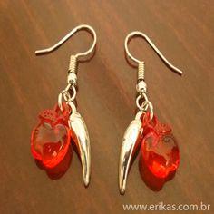 brinco de pimentinha maçã acrílico cor vermelho metal na cor prata - altura  2,5 3c1760ae78