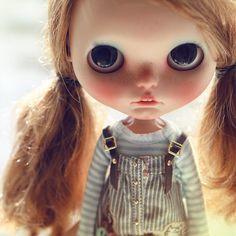Instagram media by k07doll - #cinnamongirl #ebl #blythe #custom #customblythe #bigeyes #blythecustom #doll #k07 #k07doll