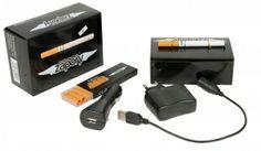 Elektronische Sigaret  De Elektronische Sigaret of E-Sigaret is goedkoper en gezonder dan roken. Het kan u helpen om te stoppen met roken. De elektronische sigaret is een alternatief voor de traditionele sigaretten. Het werkt met een oplaadbare batterij en vervangbare patronen. De set bevat: E-Sigaret 10 vullingen USB kabel Autolader Thuislader Technische gegevens: Lengte: 95 mm Diameter: 8,5 mm Gewicht: 11,3 g Aantal puffs per patroon: 110 Aantal puffs per volle batterij: 150