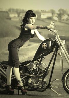 ✿❀ rockabilly..  http://thepinuppodcast.com shares this image for the love of all things pin up