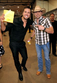 Luke Bryan and Jason Aldean both are my favorites!