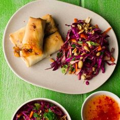 These crispy spring rolls are just like the takeaway version, only much healthier! They& baked not fried and served with Asian slaw make a balanced meal Super Healthy Recipes, Healthy Foods To Eat, Healthy Snacks, Healthy Dinners, Healthy Chicken, Chicken Recipes, Meat Recipes, Recipies, Asian Slaw