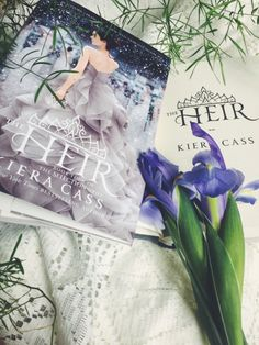 ✨The Heir✨ Kiera Cass covers are always stunning I'm a bit obsessed with them