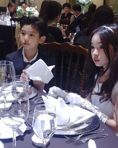 My brother and my sister years) Mode Ulzzang, Ulzzang Kids, Ulzzang Korean Girl, Ulzzang Couple, Cute Asian Babies, Korean Babies, Asian Kids, Cute Babies, Cute Little Baby