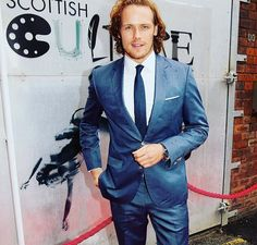 "OutlanderHeadquarter on Twitter: "".@SamHeughan on the @sundayherald Cultural Awards Red Carpet last night."