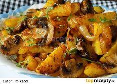 Brambory pečené s cibulí a žampiony recept - TopRecepty. Best Lunch Recipes, Easy Healthy Recipes, Cooking For One, Easy Cooking, Cooking Ham, Cooking Turkey, Potato Recipes, Vegetable Recipes, Cottage Meals
