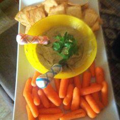 Hummus and carots!