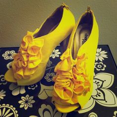 12/26HPCharlotte Russe Ruffle Peep Toe Heels NWOT Bold and bright! No scuffs or marks, never got to wear them and I really need to make room in my closet.  Charlotte Russe Shoes Heels