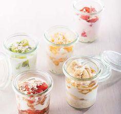 20 gram Quaker Havermout Scheutje magere melk 40 gram vers fruit, afhankelijk van het seizoen 40 gram magere (Griekse) yoghurt 1 lepeltj...