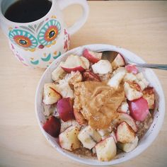 Good morning Having my usual oats for breakfast which is just oats cinnamon topped with a melted banana, cooked apple cinnamonand peanut butterAlso had some dark chocolatetruffle coffee☕️(thank u target) in my owl mug from Ron Jons Have an awesome day❤️ #Padgram Healthy Eats, Healthy Foods, Healthy Recipes, Fit Foods, Cooked Apples, Fresh Start, Pcos, Health And Nutrition, Soul Food