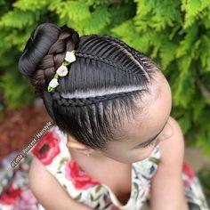 La imagen puede contener: una o varias personas y primer plano Lil Girl Hairstyles, Girls Natural Hairstyles, Kids Braided Hairstyles, Princess Hairstyles, Natural Hair Styles, Long Hair Styles, Girl Hair Dos, Hair Upstyles, Beautiful Braids