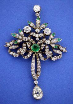 Emerald & Diamond Belle Epoch Pendant c1900