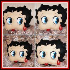 Hola chicas !   Les dejo el tutorial de este bonito cojín de Betty Boop espero sea de su agrado.