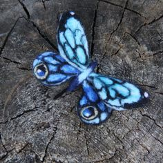 Fabric Butterfly, Butterfly Crafts, Nuno Felting, Needle Felting, Wool Art, Blue Dream, Felt Animals, Textile Art, Bees