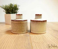 Mint pair of Dutch art pottery vases by Westraven in Utrecht. Small art ceramic vase set, Mid Century Modern, modernist studio arrt pottery from the Netherlands c 1960s vintage sleek design home decor. On offer by SoVintastic