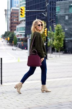 Jill Lansky // The August Diaries // cozy fall-winter sweater  // casual fall-winter style