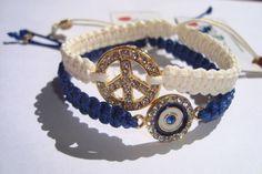 Roulets: #MOMENTO MULHERZINHA: Pulseiras hippie chic, acessórios estilizados e tendências artesanais Hippie Chic, Hippy, Bag Accessories, Macrame, Jewelry Design, Diy Crafts, Boutique, Bracelets, Inspiration