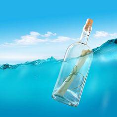 """Ayer lanzamos al mar un mensaje en una botella. En el mensaje se leía """"Good luck witcampers"""". Y a ti, ¿qué mensaje te gustaría mandar? Si lo compartes en tu muro... Quien sabe, igual lo recibe la persona en la que estás pensando. Abre en una nueva ventana"""