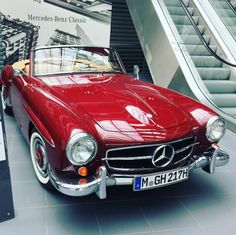 Beautiful red Mercedes Benz #190SL. Via: Mercedes München / #BruceAdams190SL #190SLRestorations