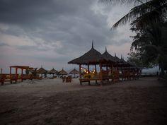 Fantastisches Essen, perfekte Strände und gemütliche Unterkünfte auf Gili Air. Padang, Kuta, Lombok, Ubud, Gili Air, Gazebo, Outdoor Structures, Cabin, House Styles