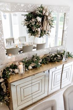 Holiday Home Tour 2018 - Fashionable Hostess Classy Christmas, Christmas Home, Merry Christmas, Christmas Table Decorations, Christmas Dinner Tables, Lollipop Decorations, Deco Table Noel, Christmas Tree Inspiration, Christmas Interiors