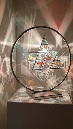 Sacred Geometric light by Asaf Zakay Geometric Pendant Light, Geometric Decor, Glass Pendant Light, Pendant Lighting, Lampe 3d, Home Entrance Decor, Sacred Geometry Tattoo, Stained Glass Patterns, Light Art