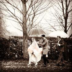 #bride #rainydaywedding #wedding #weddingphotography