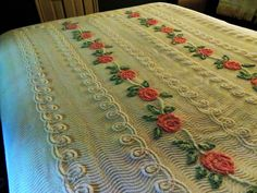 Pink Trellis Roses on Cake Frosting Vtg Chenille Bedspread w/ Ripples Pattern