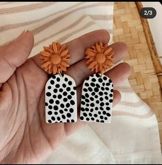 Cute Polymer Clay, Polymer Clay Projects, Polymer Clay Creations, Polymer Clay Jewelry, Diy Clay Earrings, Earrings Handmade, Diy Jewelry Projects, Jewelry Crafts, Clay Design