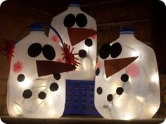 manualidades-faciles-navidad-muneco/ muñecos de nieve, lamparas con botellas