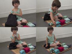 Nido (montessori) : Coussin sensoriel.