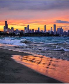 Beautiful Picture Of The Sky he Beautiful Sunset Background Of Chicago Love The! Chicago Travel, Chicago City, Chicago Skyline, Chicago Illinois, Chicago Today, Chicago Chicago, Cityscape Photography, Chicago Photography, Landscape Photography