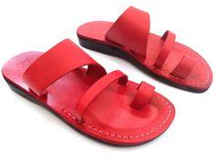 Sandalias cuero hechas a mano mujeres y hombres #fashion #moda #zapatos #circulogpr