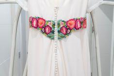 Naiara y su vestido bordado a mano por NOVELLE: Embroidery Dress, Bridal Gowns, Brides, Hands
