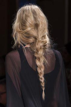 Alberta Ferretti, Fall 2017 - Milan's Fall 2017 Runway Collections in All Th. Alberta Ferretti, Fall 2017 - Milan's Fall 2017 Runway Collections in Hair Day, New Hair, Your Hair, Messy Hairstyles, Pretty Hairstyles, Fashion Hairstyles, School Hairstyles, Prom Hairstyles, Loose Hairstyle